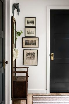 8 Better Ways to Display Art In Every Room of Your Home Ideal for tight areas, such as between windows or a corner wall, a vertical arrangement of art elongates a narrow space. Black Interior Doors, Black Doors, Interior And Exterior, Exterior Doors, Custom Interior Doors, Interior Door Knobs, Modern Exterior, Exterior Design, Design Entrée