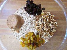 Raisin Walnut Muesli (4 Ingredients)