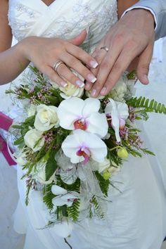 Brautstrauss Orchideen und Rosen