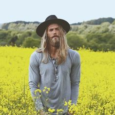 Ben Dahlhaus for Lack of Color Hats photo by Esra Sam photography Fashion Mode, Mens Fashion, Ben Dahlhaus, Hair And Beard Styles, Long Hair Styles, Bohemian Men, Mode Man, Moda Blog, Men With Street Style