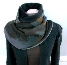 http://design-milk.com/modern-collar-by-hierapparel/