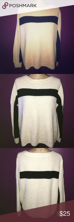 💖Forever 21 Beige & Black Sweater 💖 💖Forever 21 Beige & Black Oversized Sweater 💖 Size small but fits up to an XXL Forever 21 Sweaters Crew & Scoop Necks
