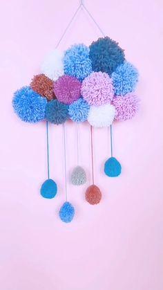 Diy Room Decor Videos, Diy Crafts For Home Decor, Diy Crafts For Gifts, Creative Crafts, Crafts For Kids, Paper Crafts, Easy Yarn Crafts, Fun Craft, Pom Pom Crafts