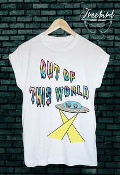 Out of this world! Unisex alien space ufo grunge tshirt tee