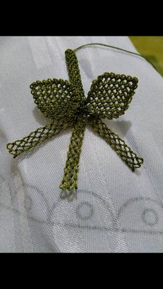 This Pin was discovered by Nes Needle Lace, Lace Making, Diy And Crafts, Embroidery, How To Make, Jewelry, Tejidos, Lilac, Crocheting