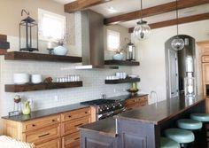 WHAT MAKES A UNIQUE KITCHEN? What design details create a unique kitchen space? When it comes to picking the perfect design elements for…