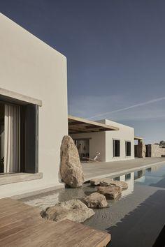 Villa Mandra by K-Studio — MODEDAMOUR Architecture Design, Amazing Architecture, Greece Architecture, Residential Architecture, Design Hotel, House Design, Villa Design, Studio Design, Mykonos Villas