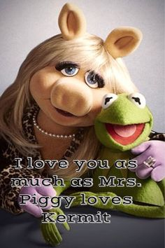 """""""Sesame Street"""" TV Show . Miss Piggy and Kermit the Frog, creations of Jim Henson Kermit And Miss Piggy, Kermit The Frog, Kermit Face, Jim Henson, Danbo, Childhood Friends, Childhood Memories, Die Muppets, Piggy Muppets"""