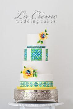 Hmong design wedding cake