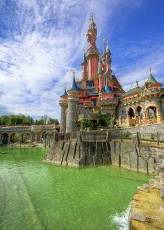 Sleeping Beauty Castle in Disneyland Paris DLP Le Chateau de la Belle au bois dormant