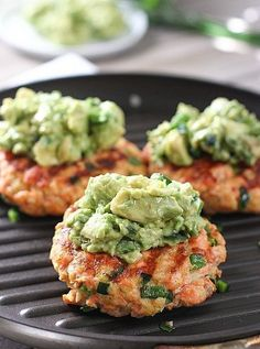 Grilled Salmon Burgers with Avocado Mash! Fresh, easy to ma.- Grilled Salmon Burgers with Avocado Mash! Fresh, easy to make and perfect for g… Grilled Salmon Burgers with Avocado Mash! Fresh, easy to make and perfect for grilling! Salmon Recipes, Fish Recipes, Seafood Recipes, Dinner Recipes, Healthy Recipes, Snacks Recipes, Seafood Bbq, Burger Recipes, Recipes With Avocado