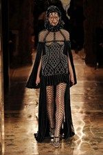 Alexander McQueen autumn/winter 13-14 001