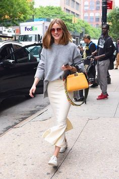 Casual chic! Olivia Palermo is spotted in New York City. | THE OLIVIA PALERMO LOOKBOOK | Bloglovin'