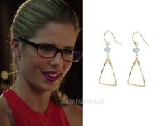 "Felicity wears Peggy Li in 3×02 ""Sara"", 3×09 ""The Climb"", The Flash (1×04 ""Going Rogue"")"