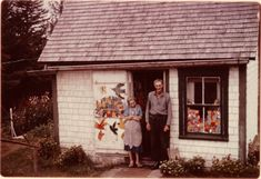 "1963 — Maud ""Maudie"" Lewis & Everett Lewis outside their Marshalltown cottage, in Nova Scotia, Canada. Artist Life, Artist Art, Famous Sculpture Artists, Maudie Lewis, Primitive Painting, People Of Interest, Canadian Art, Art For Art Sake, Outsider Art"