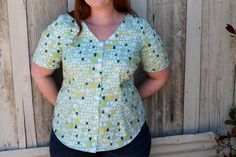 Sewing Project: Aster Blouse | Mint Green Sewing Machine: Sewing Project: Aster Blouse.  Front & back vertical darts to add shaping and a small amount of additional length added at hem.