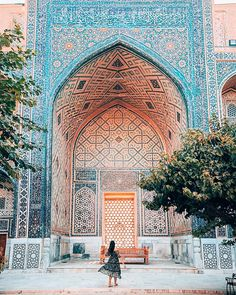 Ragistão, Samarcanda, Uzbequistão Islamic Architecture, Art And Architecture, Beautiful Mosques, Beautiful Places, Places Around The World, Around The Worlds, Islamic Pictures, Travel Goals, Adventure Is Out There