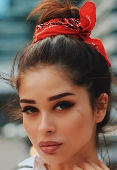 Bandana Hairstyles, Dress Hairstyles, Hair Scarf Styles, Curly Hair Styles, Hair Today, Prom Hair, Hair Inspo, Hair Hacks, Hair Makeup
