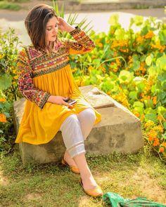 New Image : Pakistani fashion casual Pakistani Fashion Casual, Pakistani Dresses Casual, Pakistani Dress Design, Indian Fashion, Stylish Dresses For Girls, Simple Dresses, Casual Dresses, Indian Designer Outfits, Indian Outfits