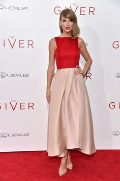 Taylor Swift at The Giver premiere (kind of in love with her look)