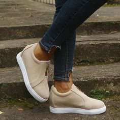 Loafer Sneakers, Sneaker Heels, Casual Sneakers, Womens Fashion Sneakers, Fashion Shoes, Fashion Outfits, Women's Slip On Shoes, Flat Shoes, Wedge Heels