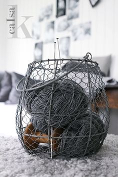 Wire and yarn, shades of grey