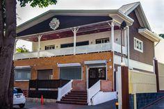 Avila Burger en La Castellana Mansions, House Styles, Outdoor Decor, Home Decor, Gourmet, Lifestyle, Decoration Home, Room Decor, Fancy Houses