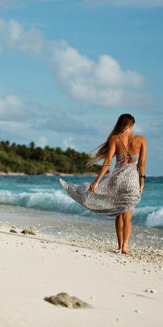 ROXY World Waiting Dress. have a printed maxi similar to this Summer Of Love, Summer Time, Summer Girls, Summer Beach, Summer Days, Bonheur Simple, Am Meer, Summer Breeze, Beach Bum