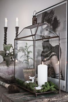 Swedish photographer and blogger Anna-Malin (Helt Enkelt) has sent us these lovely pictures of our lantern - turned into a true Christmas...