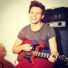 My Louis Tomlinson Ill Always Love You, Louis Tomlinsom, Louis Williams, I Love One Direction, Light Of My Life, You're Beautiful, Larry Stylinson, Liam Payne, Playing Guitar