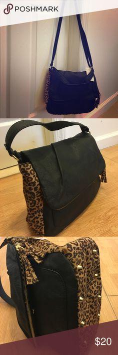 H&M crossbody H&M crossbody bag. Brand new with tags. H&M Bags Crossbody Bags