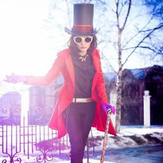 Recreate Burton's whimsical take on 2005's Charlie and the Chocolate Factory with this Willy Wonka costume.