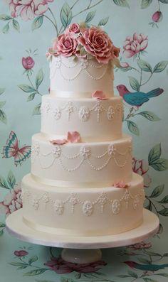 Gorgeous #wedding cake ideas: http://www.weddingandweddingflowers.co.uk/article.php?id=98=1=2537