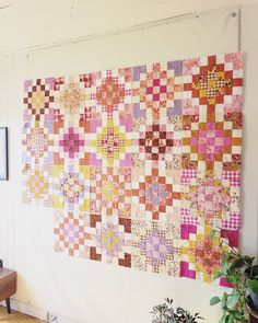 Patchwork Quilting, Quilt Stitching, Scrappy Quilts, Star Quilt Patterns, Modern Quilt Patterns, Quilting Projects, Quilting Designs, Granny Square Quilt, Modern Quilt Blocks