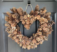 Pine Cone Art, Pine Cone Crafts, Pine Cones, Pine Cone Wreath, Tree Bark Crafts, Summer Crafts, Fall Crafts, Christmas Crafts, Summer Art