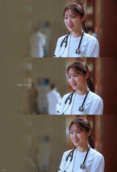 Medical Students, Medical School, Lee Sung Kyung Doctors, Romantic Doctor, Arin Oh My Girl, Med School, Korean Drama, Medicine, Tv Shows