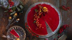 Kettukarkkikakku – gluteeniton juustokakku on hitti -Kotiliesi.fi Christmas Mood, Christmas Baking, Sweet Desserts, Cheesecakes, Birthday Candles, Panna Cotta, Food And Drink, Sweets, Cooking