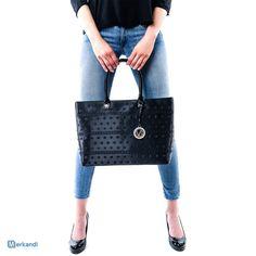 Schnäppchen! Versace Jeans Handtaschen und Geldbörsen - schon ab 38 EUR! Info: https://merkandi.de/products/versace-jeans-handtaschen-und-geldboersen/136528