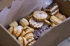 A nagy lagzis süteményeskönyv Hungarian Cookies, Hungarian Desserts, Hungarian Recipes, Torte Cake, Cake Bars, Sweet Cookies, Cake Cookies, Dessert Cake Recipes, Cookie Recipes