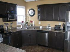 Kitchen layout ideas with corner sink dishwashers Ideas for 2019 Corner Sink Kitchen, Kitchen Redo, Kitchen Layout, New Kitchen, Kitchen Ideas, Kitchen Colors, Kitchen Designs, Kitchen Tips, Repainting Cabinets