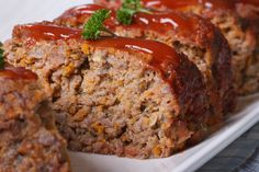 Welcome to my Instant Pot easy meatloaf recipe. Enjoy a traditional tomato ketchup based meatloaf recipe in half the time when cooked in your Instant Pot. Carne Asada, Instant Pot Pressure Cooker, Pressure Cooker Recipes, Pressure Cooker Meat Loaf, Slow Cooker Meatloaf, Pressure Cooking, Healthy Microwave Meals, Microwave Oven, Microwave Dinners