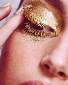 Sunday feelings #makeup by @de_maria #throwback #model @claudialc_ #manicure @rosamatilla
