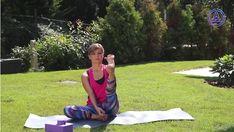 Kímélő, 10 perces jóga kezdőknek - 5 gyakorlat, amit végezz el minél gyakrabban, hogy fittebb és frissebb legyél - Nagyszülők lapja Picnic Blanket, Outdoor Blanket, Lily Pulitzer, Youtube, Youtubers, Youtube Movies