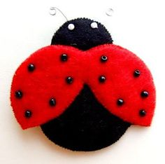 Baba Marta, Felt Crafts, Diy Crafts, Felt Toys, Paper Plates, Crochet Baby, Arts And Crafts, Homemade, Wool