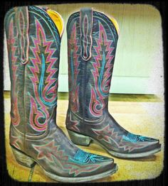 Old Gringo Nevada Chocolate & Purple Cowgirl Boots at rivertrailmercantile.com!