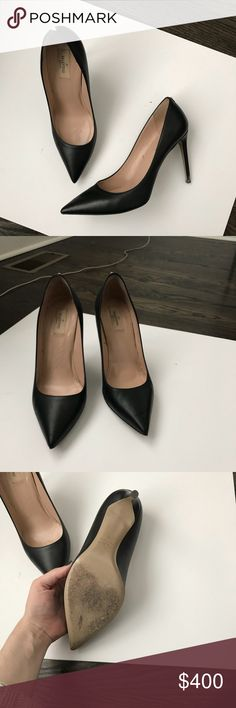Valentino Rockstud (Single Stud Detail) black pump 4in black leather pointed toe pump from the Valentino Rockstud pump with minimal single stud detail on the back of the shoe. Hardly worn. Parting with them only because I bought them a half size small. Size 41, fits closer to a 10 than 11 in Valentino. Valentino Shoes Heels