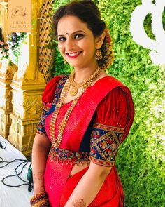The Brand You Need To Check For Spectacular Bridal Blouses! Blouse Back Neck Designs, Cutwork Blouse Designs, Hand Work Blouse Design, Wedding Saree Blouse Designs, Half Saree Designs, Simple Blouse Designs, Stylish Blouse Design, Pink Blouse Design, Marie