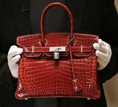 one of the 6 most iconic handbags in luxury fashion history. From the classy designers of of Hermes is the Birkin. Luxury Handbag Brands, Top Luxury Brands, Hermes Handbags, Luxury Handbags, Hermes Birkin, Most Expensive Handbags, Popular Bags, Beautiful Handbags, How To Make Handbags