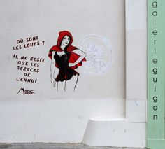 Street art (Rue de Charenton * Paris 11ème) de Miss.Tic (1956 à Paris) artiste plasticienne et poète d'art urbain.