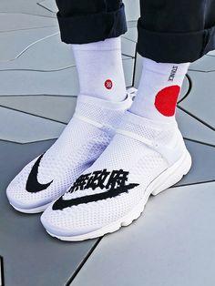 Custom Nike Air Presto Flyknit 'Uncaged Anarchy' (via Hypebeast)